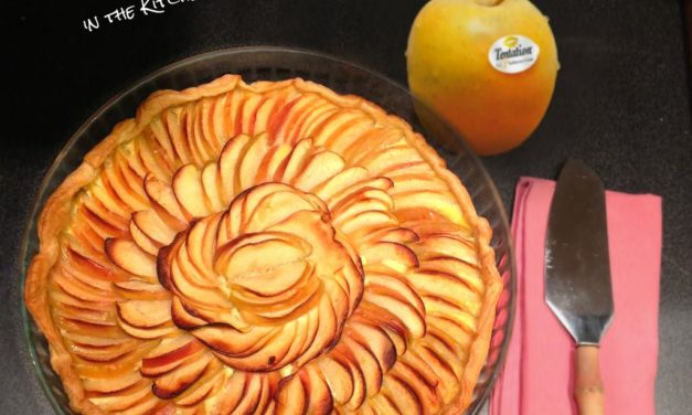 Tarte aux pommes Tentation® sur fond de poudre de noisettes