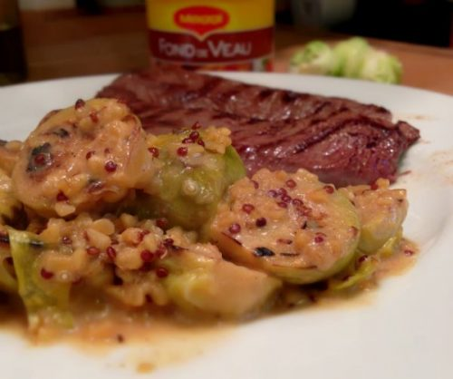 Po l e de choux de bruxelles et quinoa cuit dans la sauce - Comment cuisiner des choux de bruxelles en boite ...