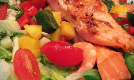 Pavé de saumon grillé et sa salade mix