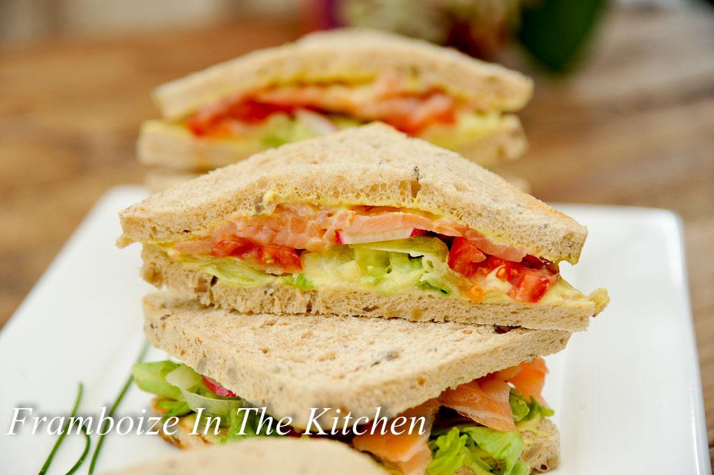 club sandwich saumon concombre framboize in the kitchen. Black Bedroom Furniture Sets. Home Design Ideas