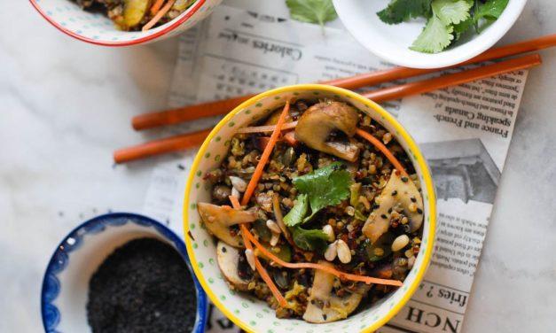Wok de quinoa, légumes et champignons