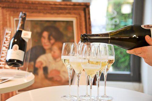 La belle Gabrielle, Champagne