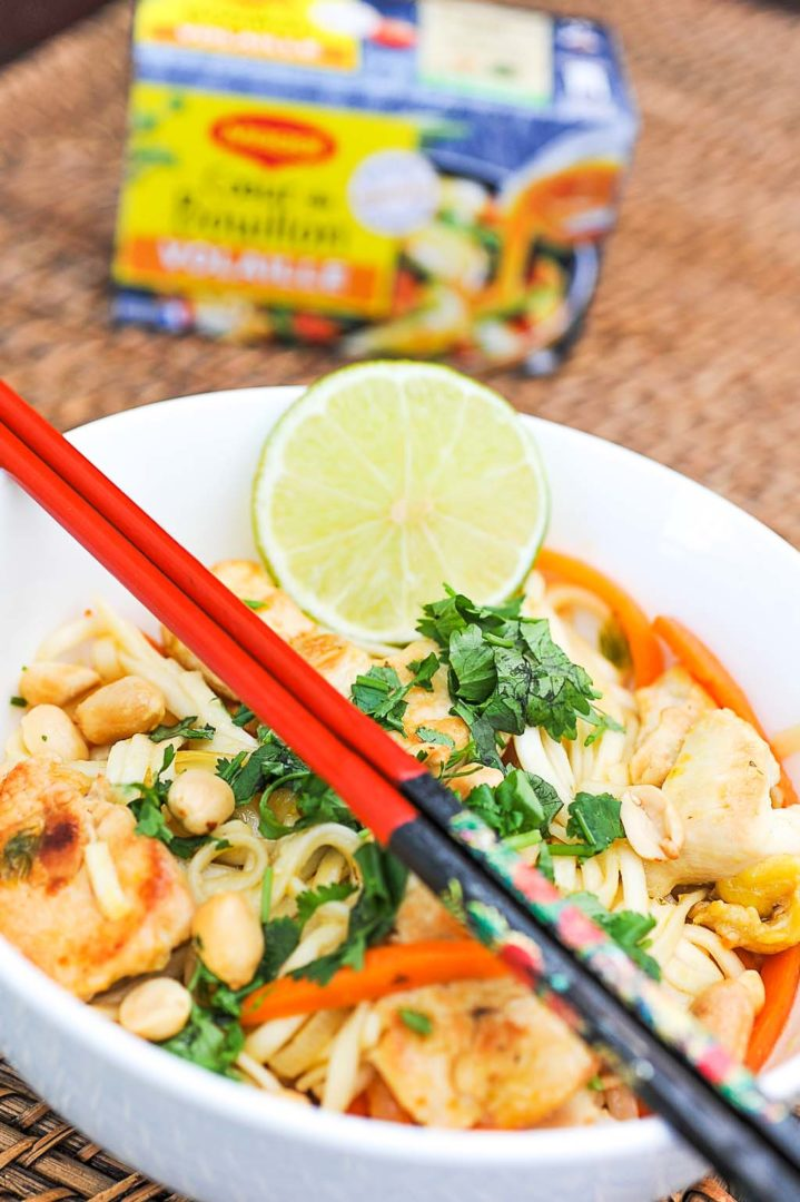 Pad thaï au poulet et gingembre et coeur de bouillon maggi