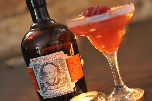 Framboizine, cocktail au rhum Diplomatico et aux framboises