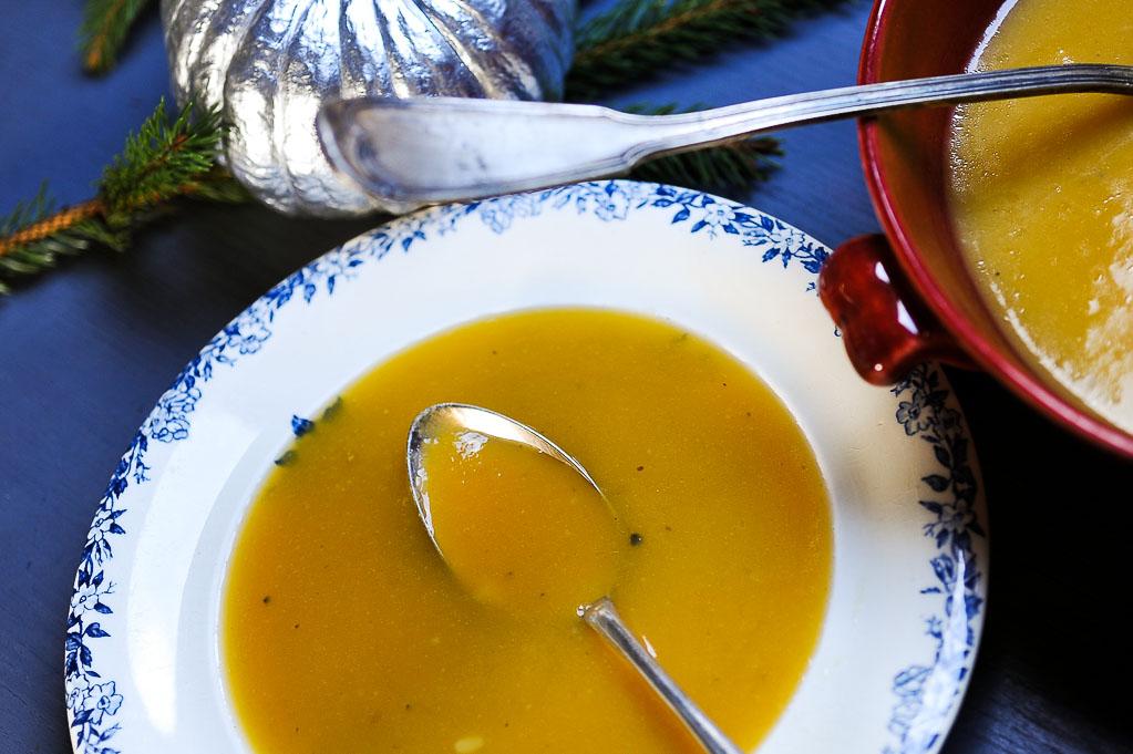 Soupe épicée de butternut et de beurre d'arachide