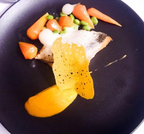 Bar de ligne et émulsion lait de coco et carottes Vichy
