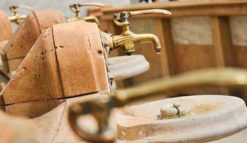 Les robinets de la source Célestins