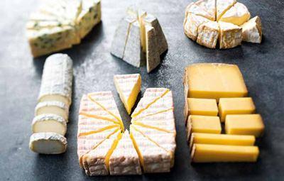 Comment découper vos fromages ? J'ai les réponses…
