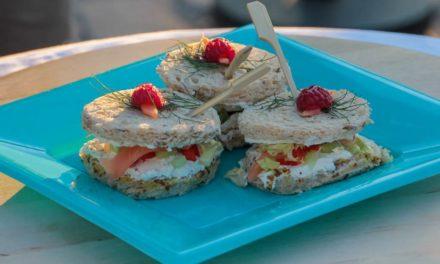 Mini sandwich saumon et fromage fouetté de Mme Loïk (Y'a du cadeau)
