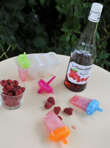 Une glace au sirop framboise Guiot