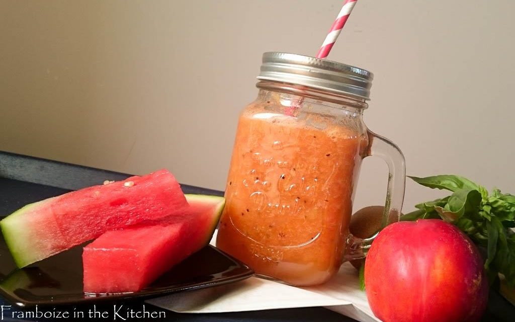 Smoothie pastèque, nectarine, kiwi et basilic