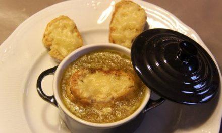 Soupe de poireaux gratinée au four