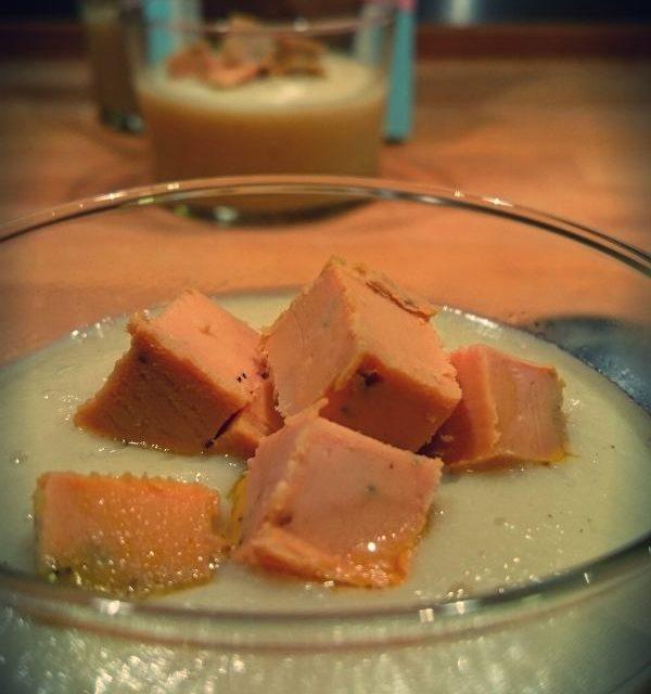 Velouté de topinambours aux dès de foie gras de canard artisanal Lartigue