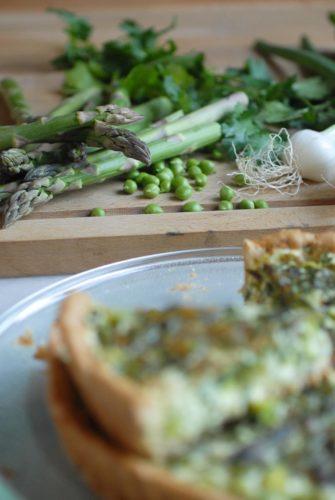 tarte végétarienne, légumes de printemps