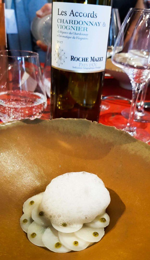 Langoustine, algues confites et topinambours fermentées avec Les Accords de Roche Mazet Chardonnay & Viognier