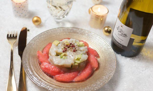 Tartare de noix de Saint Jacques aux pamplemousses roses, avocats et pommes vertes