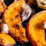 Potirons rôtis au four, à l'ail et huile d'olive