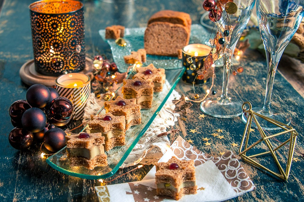 Etoiles de foie gras et pain d'épices de Noël pour foodle