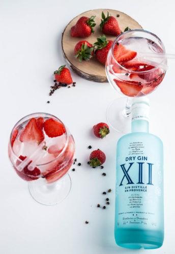 Gin XII tonic, fraise et poivre