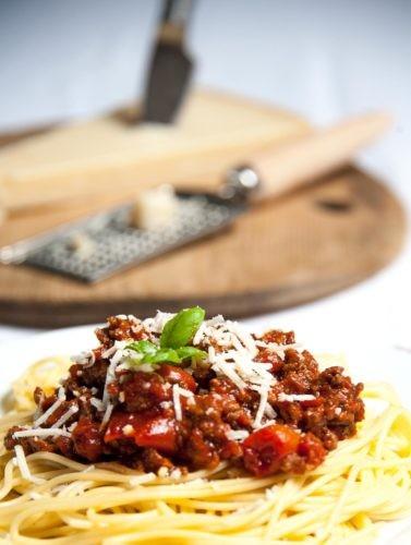 pates sauce bolognaise et parmesan