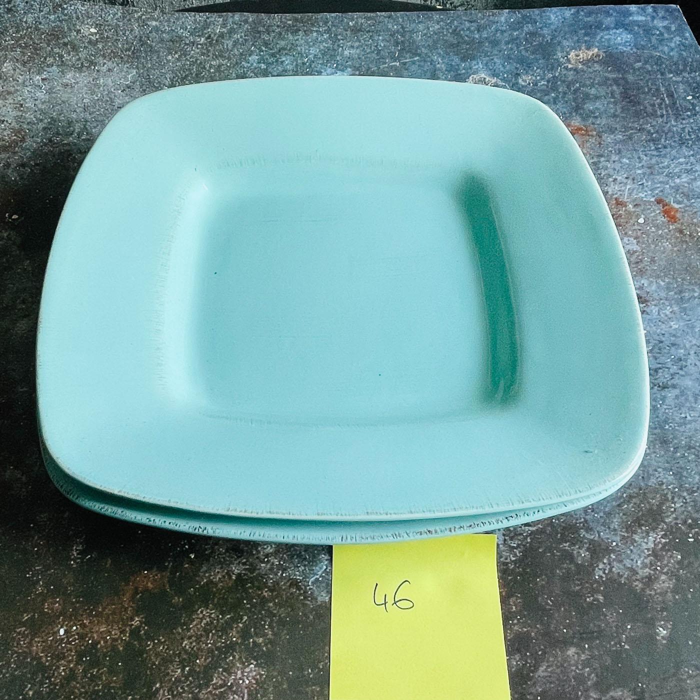 grande assiette carrées bleues